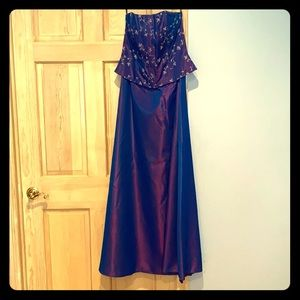 Shimmery strapless prom gown Jessica McClintock
